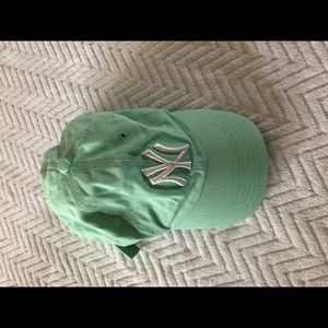 Light green Yankees baseball cap